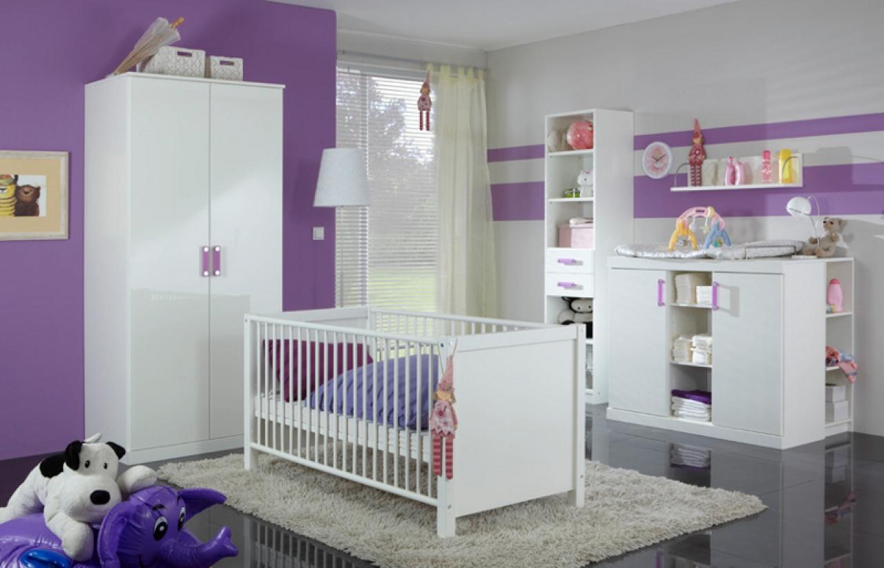 Dormitorios de beb violeta y blanco dormitorios colores - Habitaciones para bebe ...