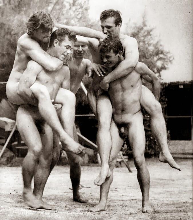 ретро фото голых мужчин один прекрасный