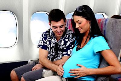 10 Tips Aman Naik Pesawat untuk Ibu Hamil