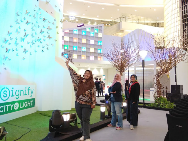 "Signify Menghadirkan ""City of Light"" di Senayan City"