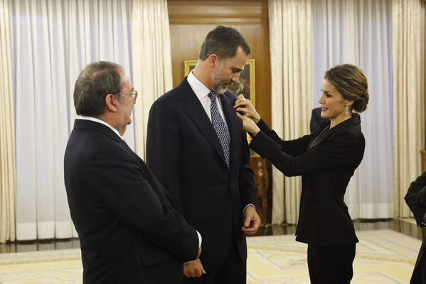 Queen Letizia of Spain and King Felipe of Spain receive an audience a representation of the attendees the 'I International Symposium