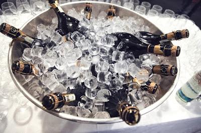 Comment rafraîchir rapidement du vin seau champagne blog vin beaux-vin