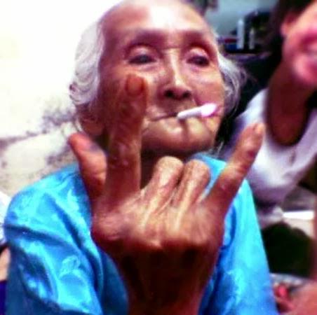 Gambar Lucu Nenek Minum Bir - Lucu 5