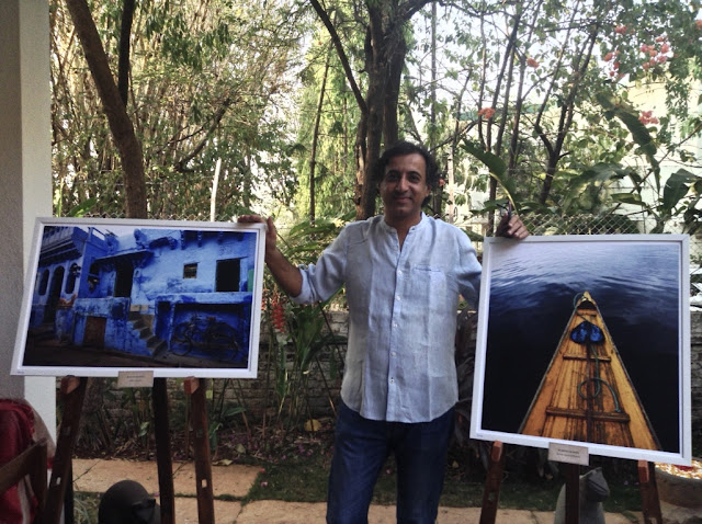 Kumar Mangwani at the opening of his photography show at Indiaart Gallery, Pune (www.indiaart.com)