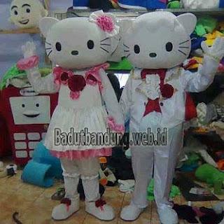hello kity pengantin, kostum badut hello kity