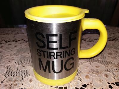 bentuk fisik self stirring mug