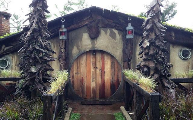 Rumah Hobbit di Farm House Lembang, Bandung.
