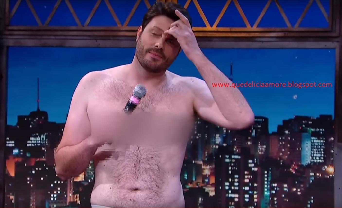 """Arthur Aguiar Nu Pelado danilo gentili fica nu/pelado em seu programa """"the noite"""""""