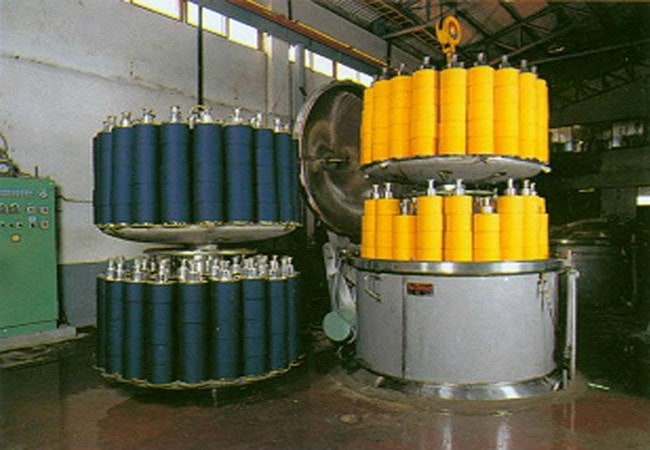 Textile yarn dyeing process