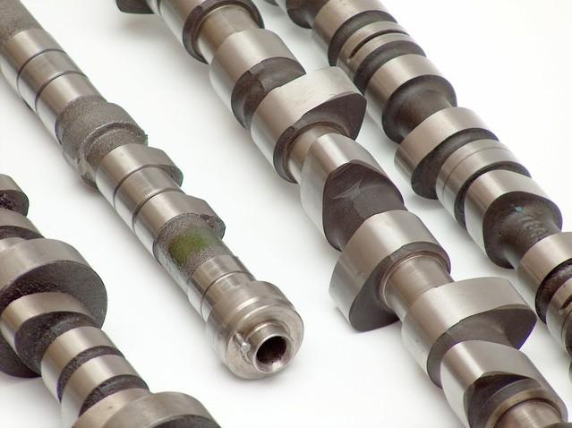 Cam shaft का कार्य  valve को open and close करने के लिए किया जाता है