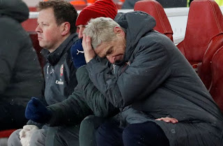 Sport: Arsenal players hold meeting, blame Wenger for club's failures