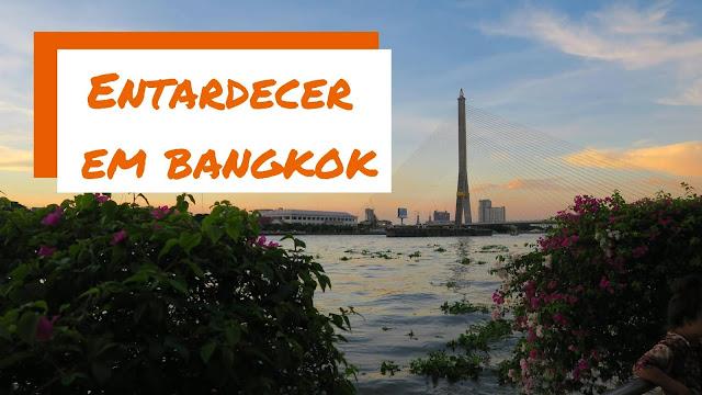 Rio Chao Phraya em Bangkok, na Tailândia