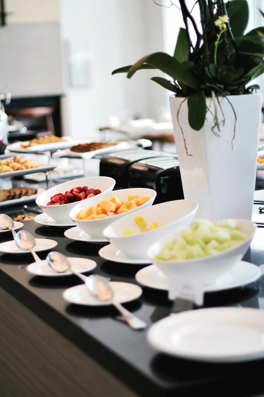 breakfast fresh fruits vegan