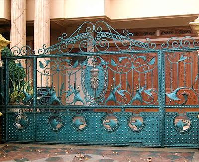 Home Wall Decoration: Luxury homes iron gates designs ideas. on Gate Color Ideas  id=58787