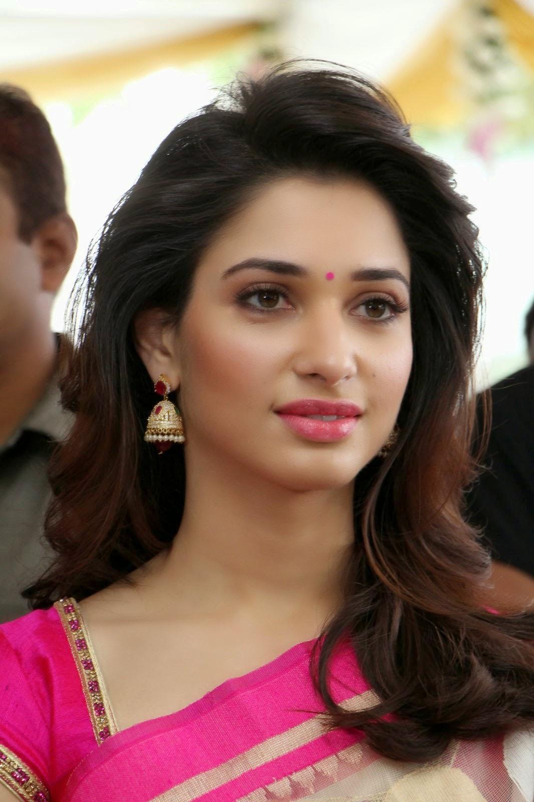 Latest Tamanna In Saree: Actress Tamanna Latest Photos In Pink Saree
