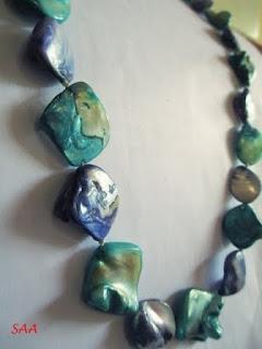 kalung batu etnik dari lombok
