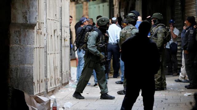 Militares israelíes matan a tiros a un joven palestino en Al-Quds