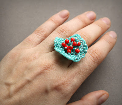 уникальное авторское кольцо купить на любой размер украшения из бисера фриформ