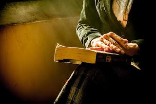 8 Adab Menjenguk Orang Sakit Sesuai Sunnah Nabi