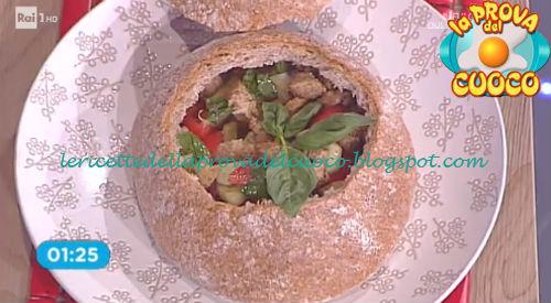 Prova del cuoco - Ingredienti e procedimento della ricetta Panzanella nel pane con emulsione di acqua e aceto di Natale Giunta