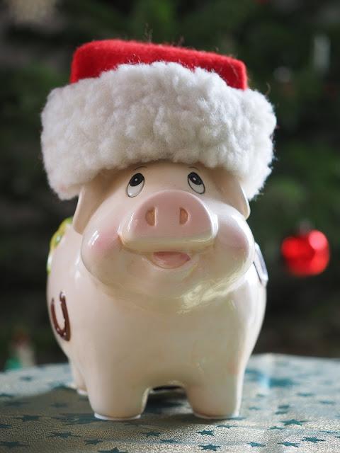 Money-Saving Tips for the Christmas Season 2018 | AffordableLED.com