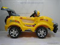 4 Mobil Mainan Aki Junior Z631 Thunder Jeep dengan Simulasi Mesin Bergetar