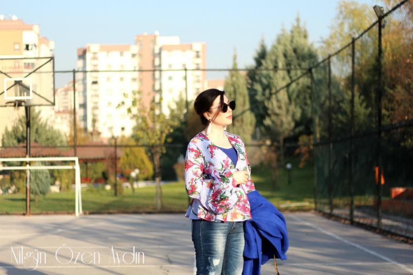 Saks Mavi Oversize Kaban ve Kiraz Detaylı Stilettolar-moda blogları-stilettolar-fashion blog