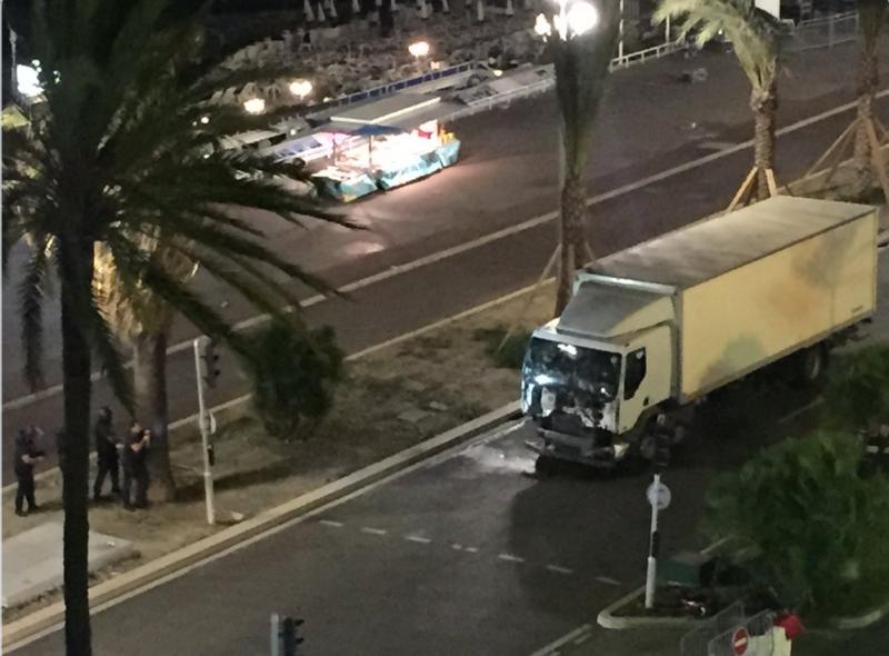 Truck Stop homo seksiä