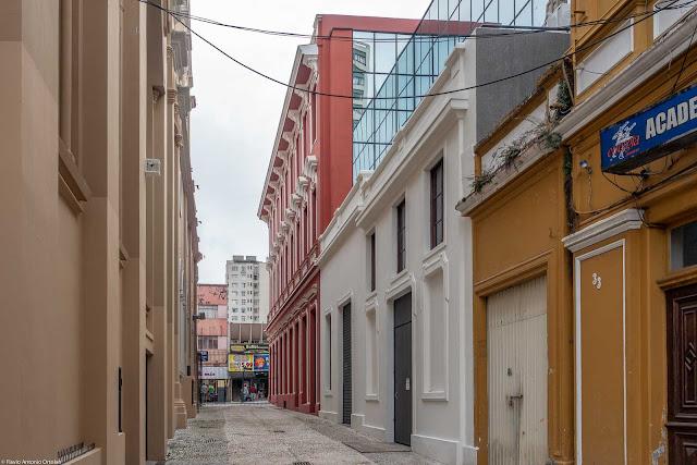 Travessa Padre Júlio de Campos, vista a partir da Rua Barão do Serro Azul