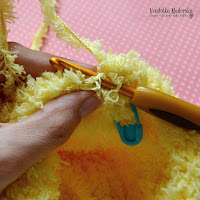 How to crochet with a fuzzy yarn