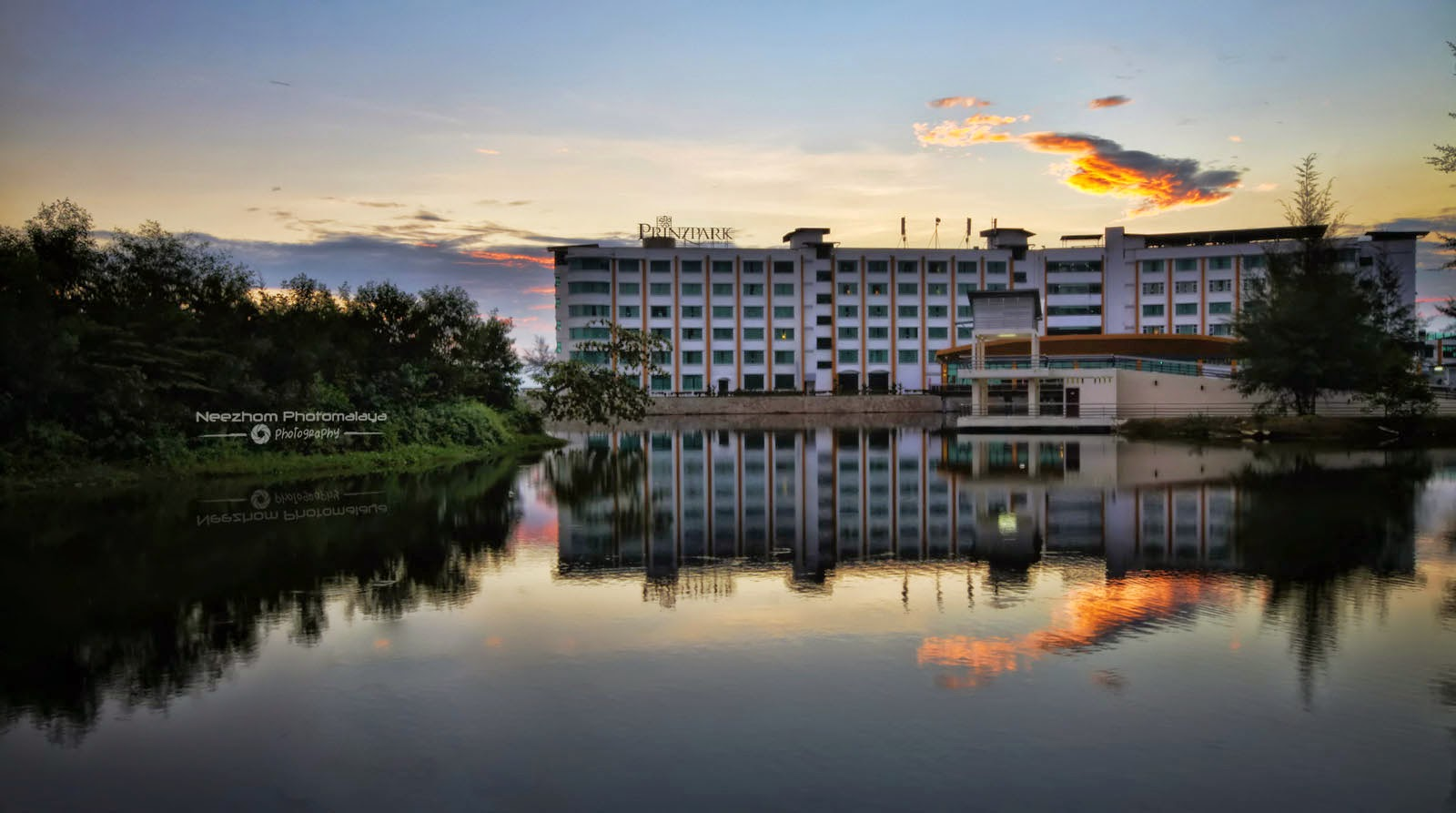 Prinzpark hotel, reflection and Sunrise
