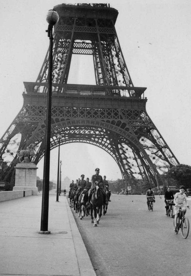 Momentos del pasado la torre eiffel durante la ocupaci n nazi for Creador de la torre eiffel