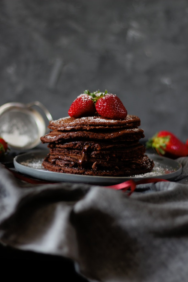 sahnew lkchen ein lieblingsrezept einfache schokoladen pancakes mit nutellaf llung. Black Bedroom Furniture Sets. Home Design Ideas