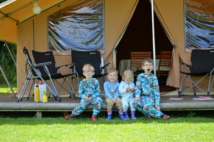 5 reasons to love family camping, family camping, camping with kids, themummyadventure.com