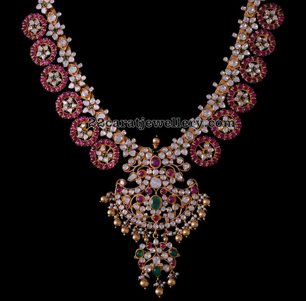 Best Jewellery From Vasundhara Diamond Roof Jewellery