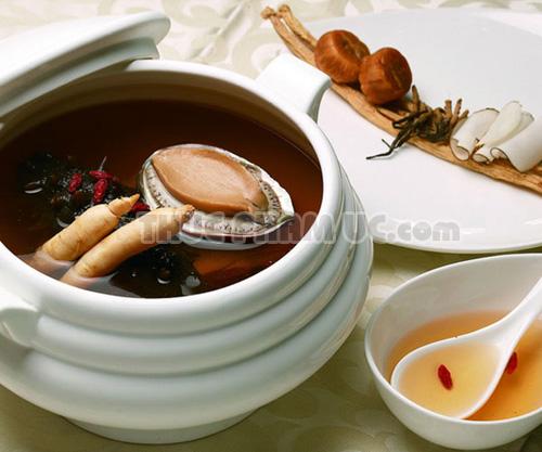 Món canh Đông trùng hạ thảo nấu với Sâm Bào ngư Úc