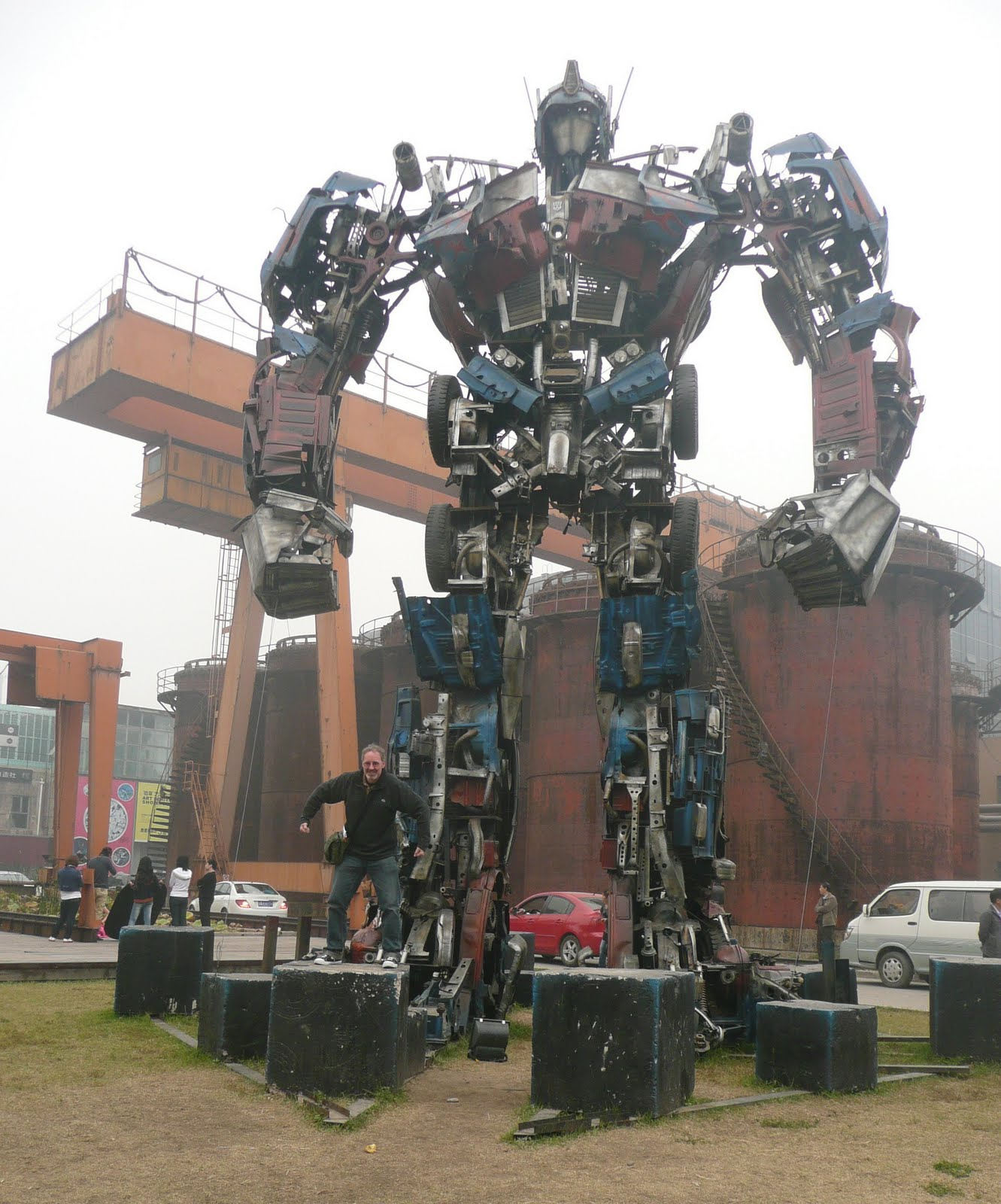 Rocket to China: And giant robots