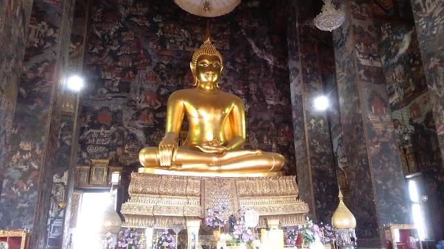 Wat Suthat Thepwararam interior Bangkok, Tailandia