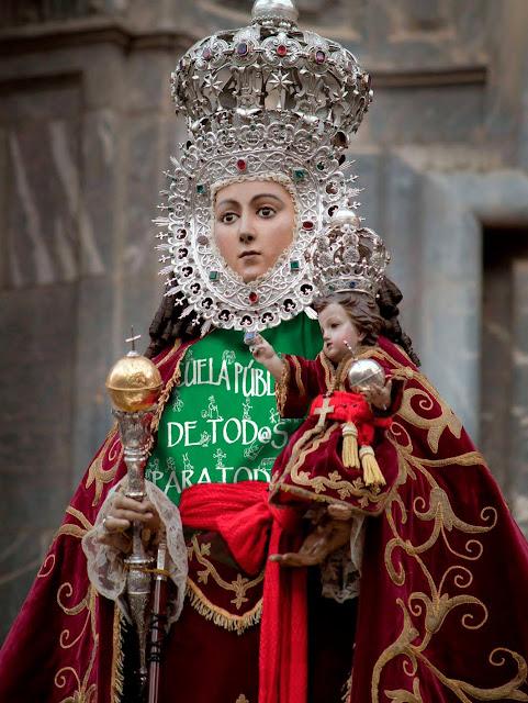 meme,educación_pública,murcia,españa,virgen,iglesia_catolica,manifestacion