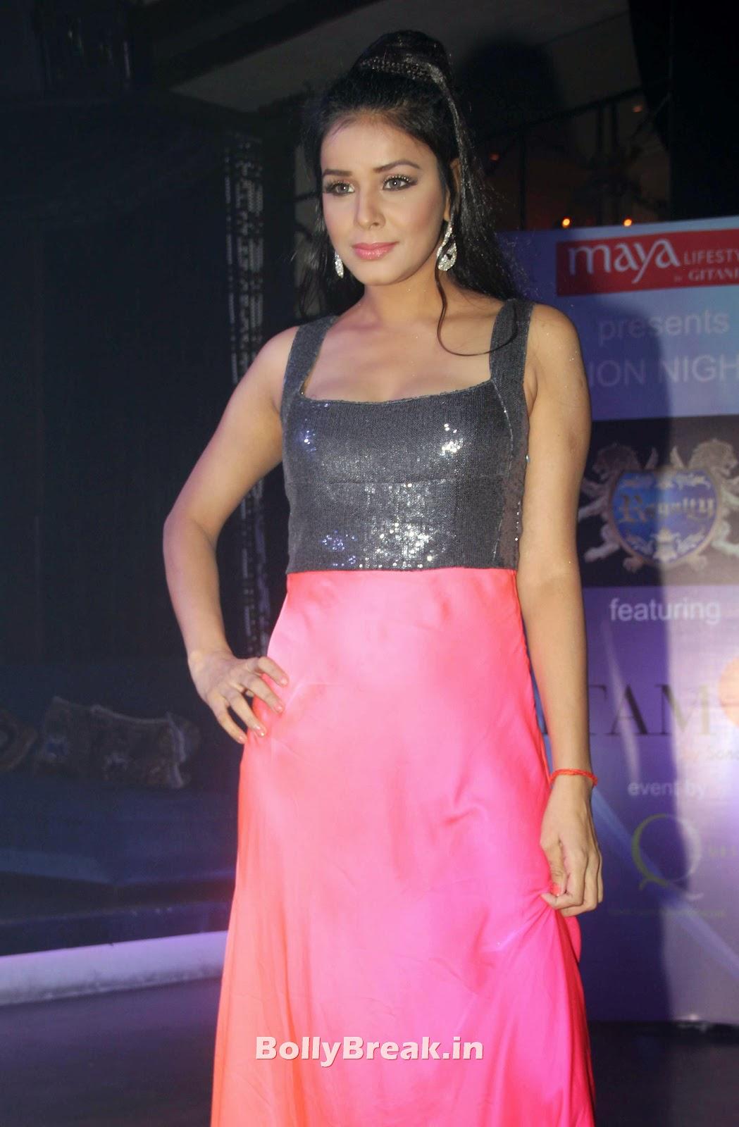 Sonalika Joshi Hot Photos, Madhavi Bhide Sexy Photo-8110
