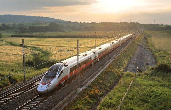 Θεσσαλονίκη: Έρχεται για επίδειξη το τρένο αστραπή που θα αλλάξει τα πάντα – Η ταχύτητα που θα πιάσει (ΦΩΤΟ)