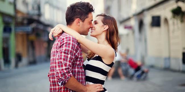 Awas Ciuman Dapat Memiliki Arti Yang Bermacam-macam!