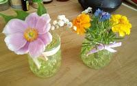 Fleurs du jardin pour déco de table mariage