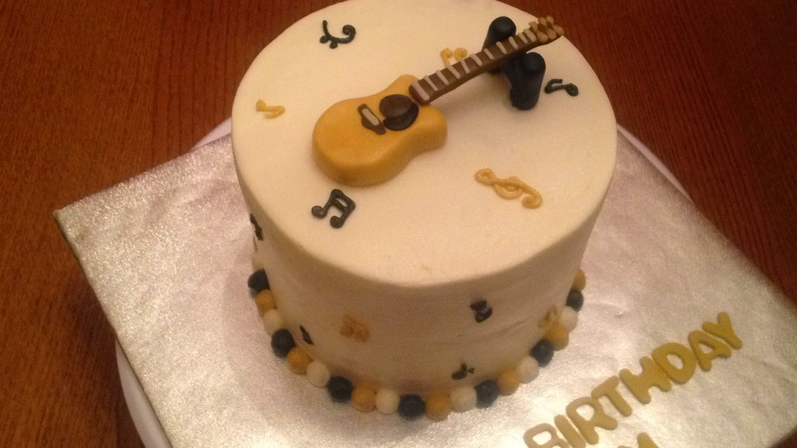 Joyce Gourmet Guitarist S Happy Birthday Cake