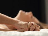8 Manfaat Seks untuk Pikiran, Tubuh dan Kulit Kamu Menurut dr. Gloria G. Bramer