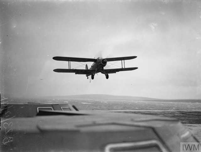 Fairey Albacore lands on HMS Victorious, 20 December 1941 worldwartwo.filminspector.com