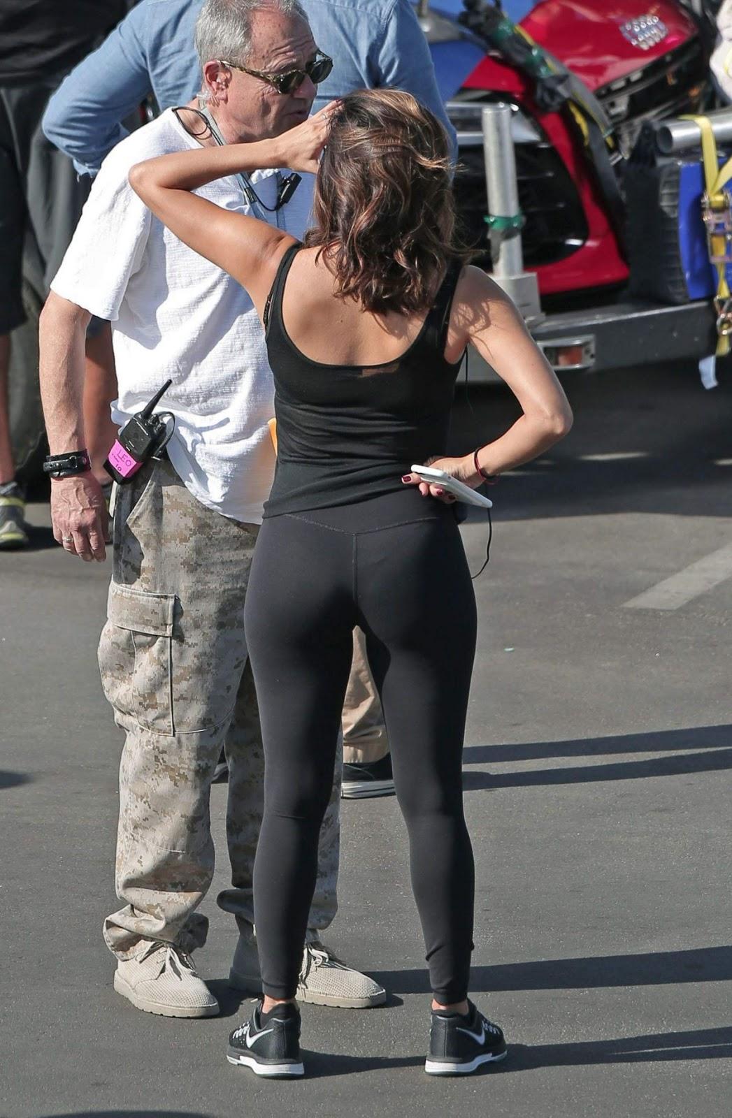 Eva Longoria Booty in Leggings