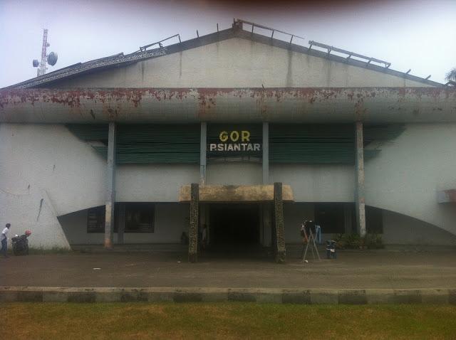 """GOR Siantar Bangunan Usang Tak Terawat """"Siang Sepi Malam Pun Jadi Tempat Maksiat"""""""
