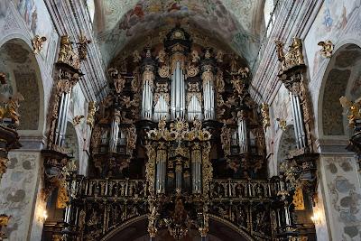 organy w bazylice Zwiastowania Najświętszej Maryi Pannie