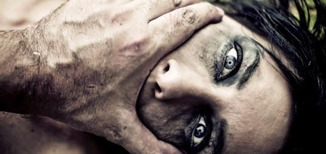 خطفها وحبسها واغتصبها لـ 7 سنوات في حفرة خلف ثلاجته..سيصدمكم شعورها تجاهه